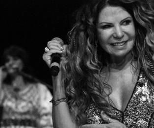 ELBA RAMALHO NO SHOW SERTÃO DA GENTE